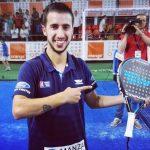 Álvaro Cepero celebra su triunfo en el Challenger Pilar de la Horadada Memorial José Martínez